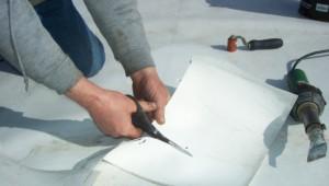 Como reparar un techo plano con filtraciones