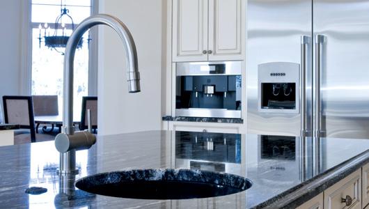 Instalar cubiertas para cocina de superficie s lida for Superficie cocina