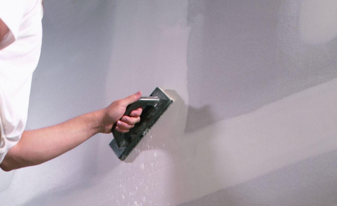 Consejos de expertos para instalar paneles de yeso - Como solucionar humedades en paredes ...