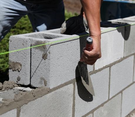 C mo construir una pared de bloques de concreto constru for Mortero para ladrillos