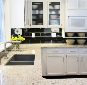 Bright Modern Kitchen