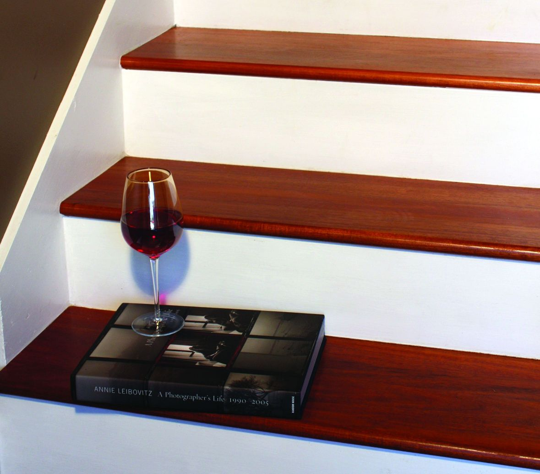 C mo instalar pelda os de madera dura constru gu a al d a - Madera para peldanos de escalera ...