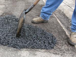 Trabajar con asfalto caliente de manera segura