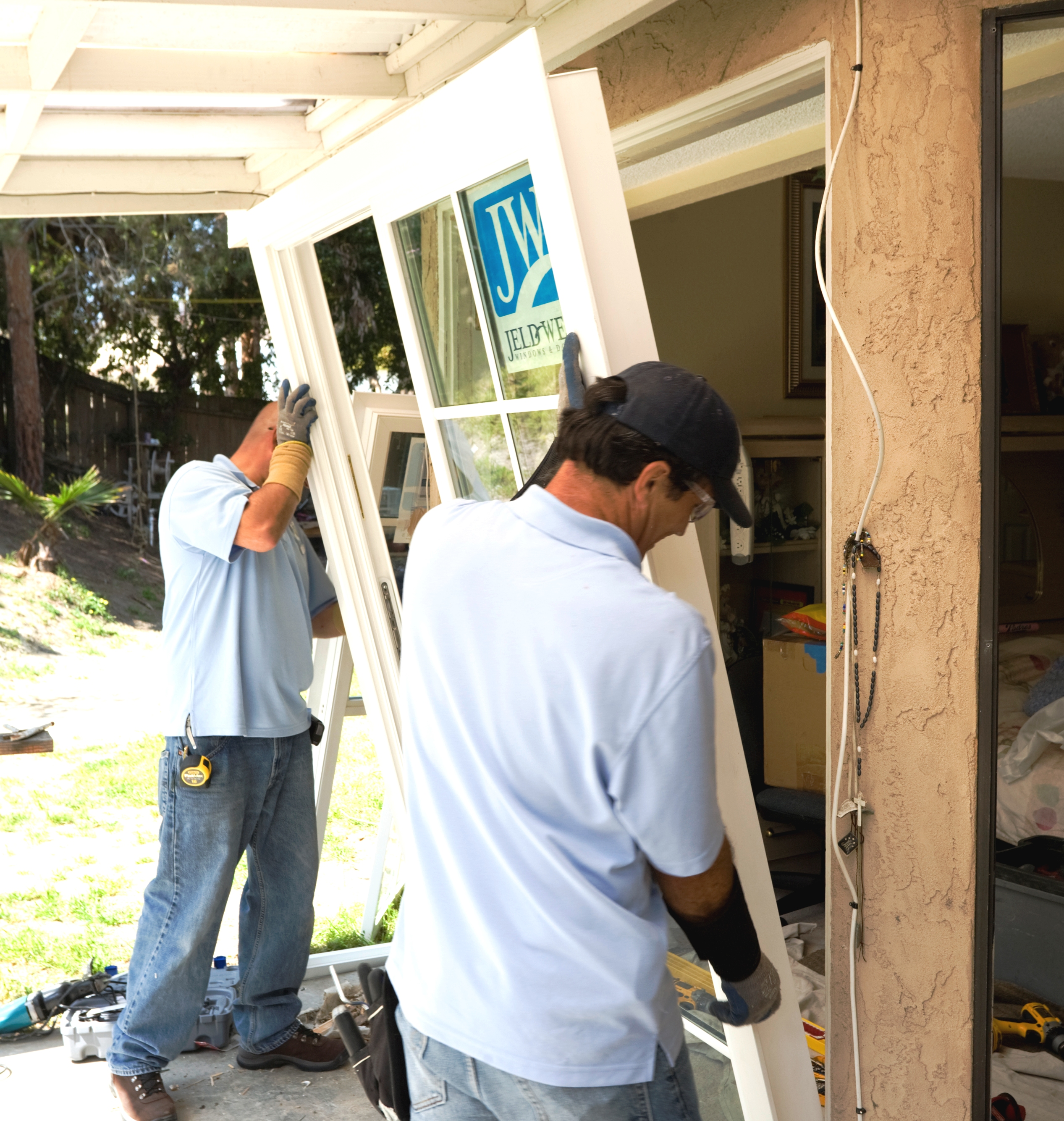 C mo reemplazar las puertas corredizas de vidrio constru - Como colocar una puerta corrediza ...