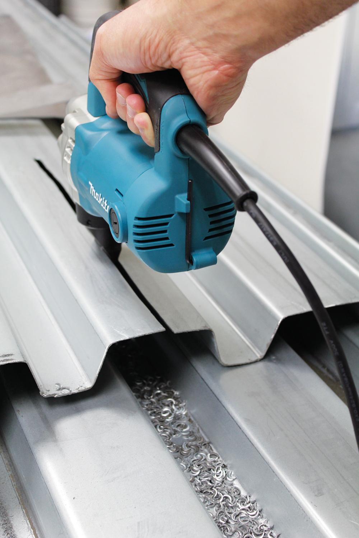 C mo usar las cizallas el ctricas para metal constru for Cizalla manual para metal