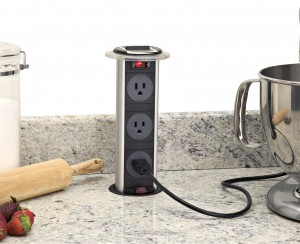Instalación de un enchufe eléctrico desplegable
