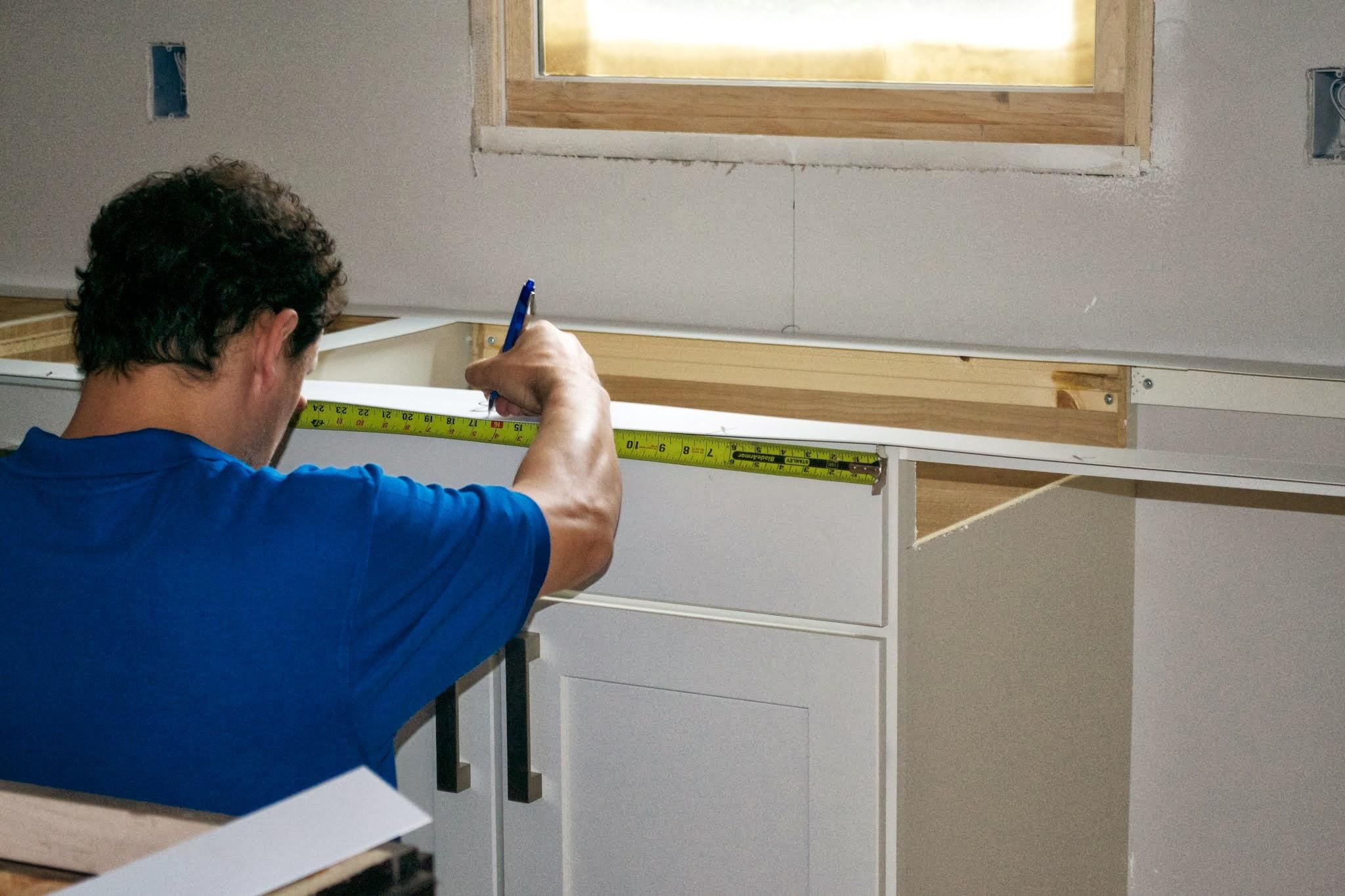 Crear plantillas para las cubiertas de cocina constru for Marmol en la construccion