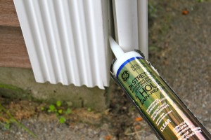 Reparaciones con adhesivos para construcción para revestimientos de vinilo sueltos o rajados