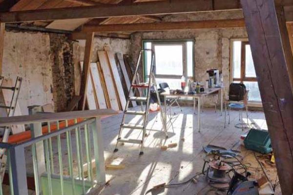 Tenga cuidado con estos riesgos al renovar casas y edificios viejos