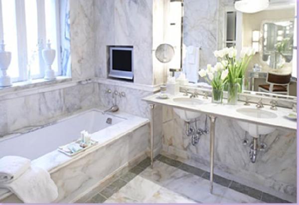 Azulejos Baño Tendencias:White Marble Bathroom with Tile