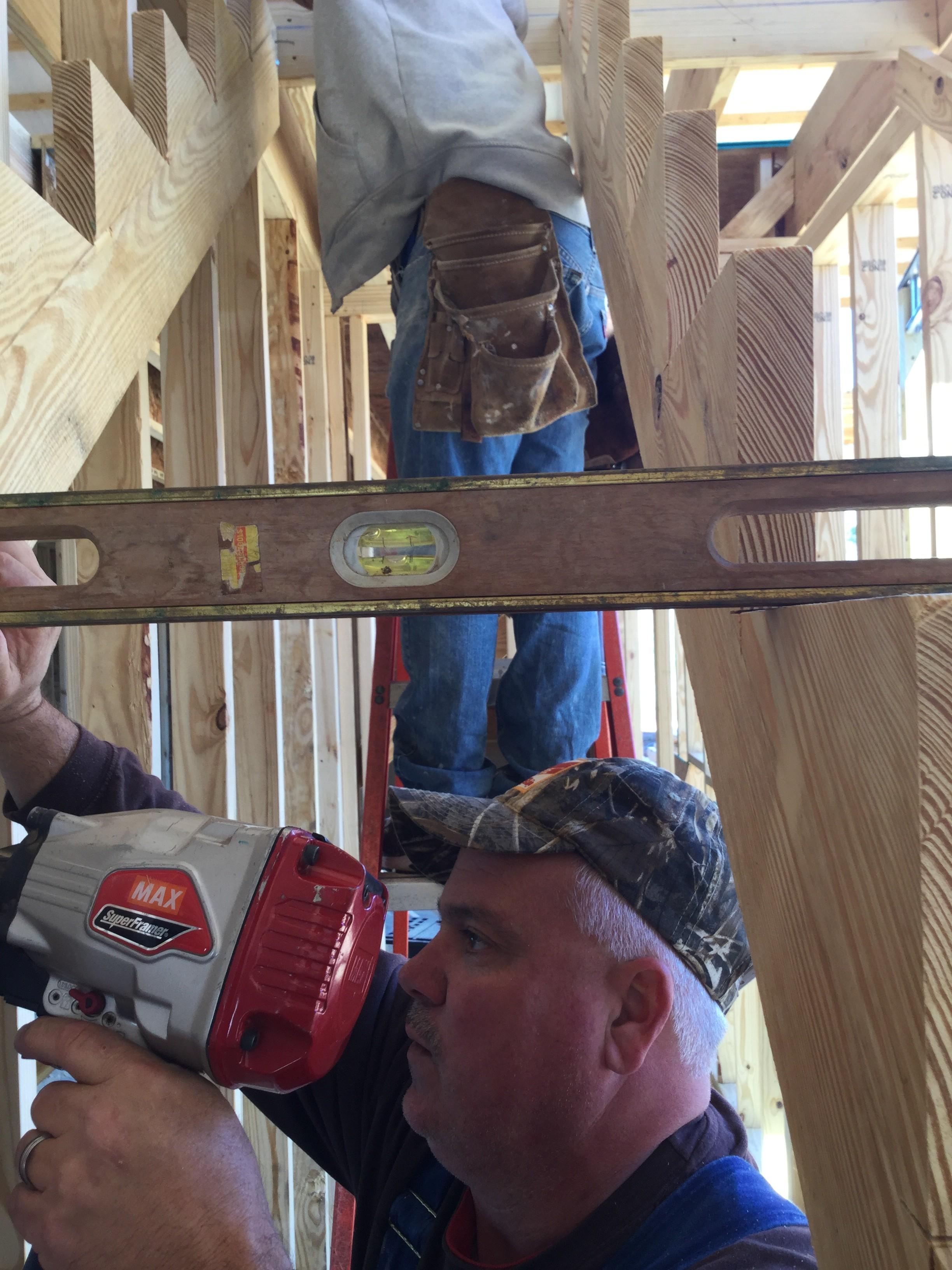 construir una escalera tener un nivel es esencial