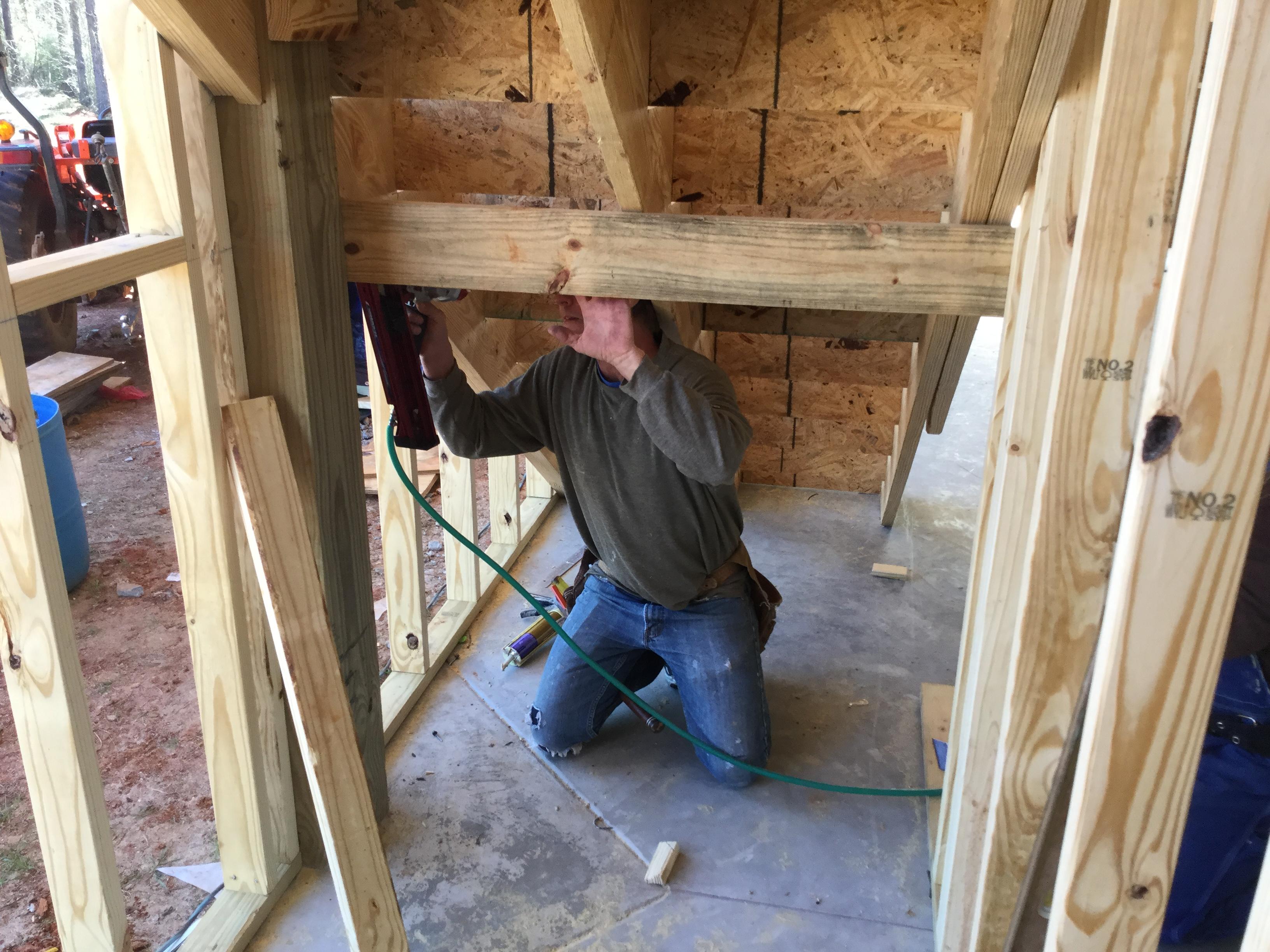 Construir una escalera paso por paso constru gu a al d a for Como hacer una escalera de concreto con descanso