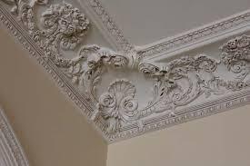 Materiales para molduras decorativas más comunes: yeso